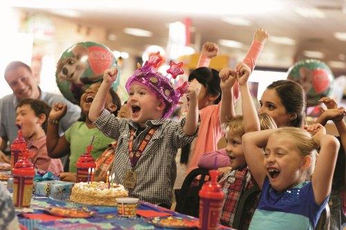 Birthday Party Fun at Chuck E Cheese