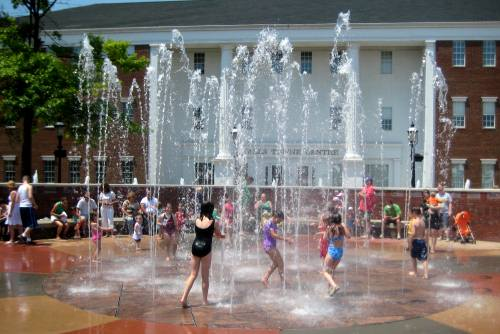 FREE Interactive Water Fountains at Falls River Square