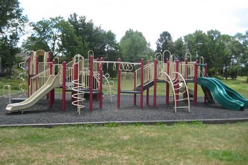 【ooc】ѕcrew нeαveɴ, нello eαrтн【sᴇᴍɪ】【1x1】 Edgewood-Park-Playground-01