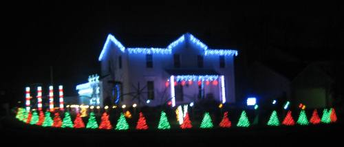 Christmas Light Displays Set to Music in North Canton