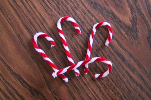 Homemade Pipe Cleaner Candy Cane Christmas Ornaments