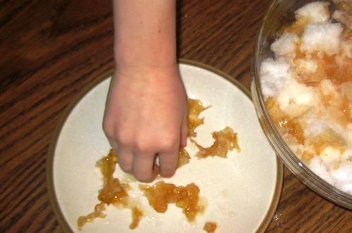 Homemade Honey Snow Candy Recipe Step 4
