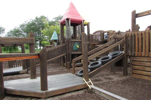 Playground at Metgzer Park Louisville Ohio
