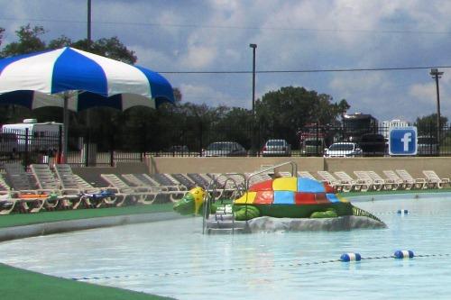 Kiddie Pool Clearwater Park Hartville Ohio