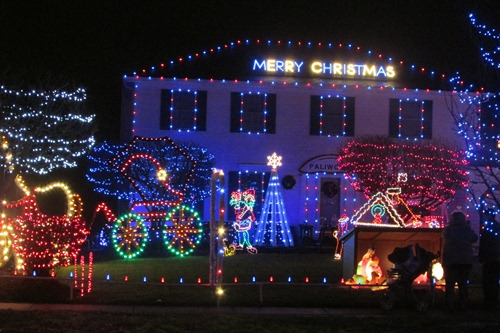 Christmas Lights Strongsville Ohio