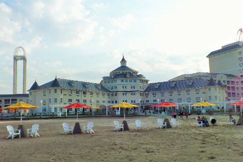 5 Reasons We Like to Stay at Hotel Breakers in Cedar Point