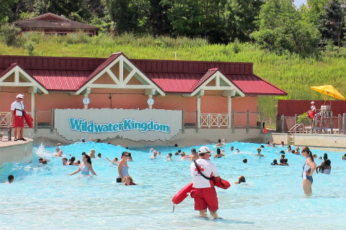 The Wave Pool at Geauga Lake Wildwater Kingdom