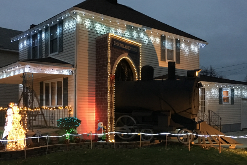 polar-express-christmas-display-lorain-ohio