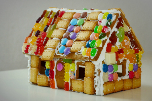 Make Gingerbread House with Leftover Halloween Candy