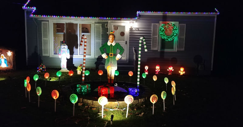 Christmas Daves Light Display 2018