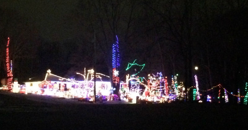 Christmas House Decoration.Best Local Christmas Light Displays You Must See This Year