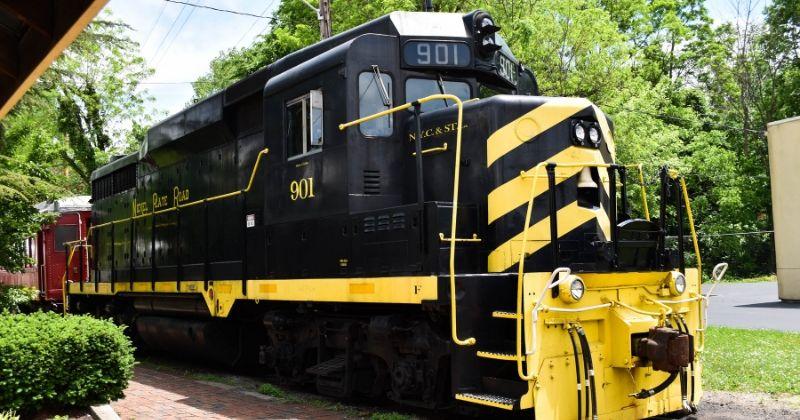 Train Rides in Ohio - LM&M Railroad