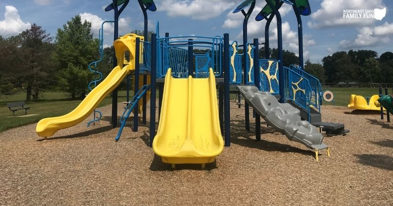 Twinsburg Glenmeadow Park – Playground, Sports Fields, Animal Statues & More