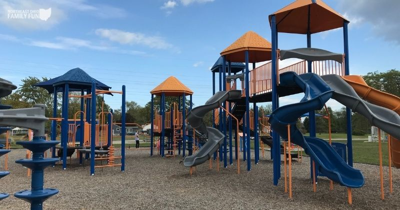 Parknoll Playground in Berea – A HUGE Playground with Shaded Picnic Area!