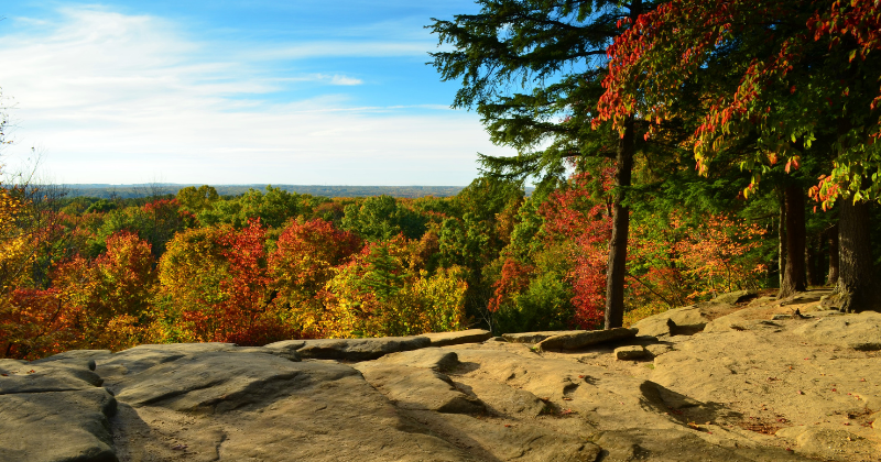 Best Things to do in October in Ohio – Scenic Overlooks, Pumpkin Patches, Corn Mazes & More